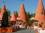 Cozy-Cone-Motel-in-Cars-Land-Jennifer-Miner11
